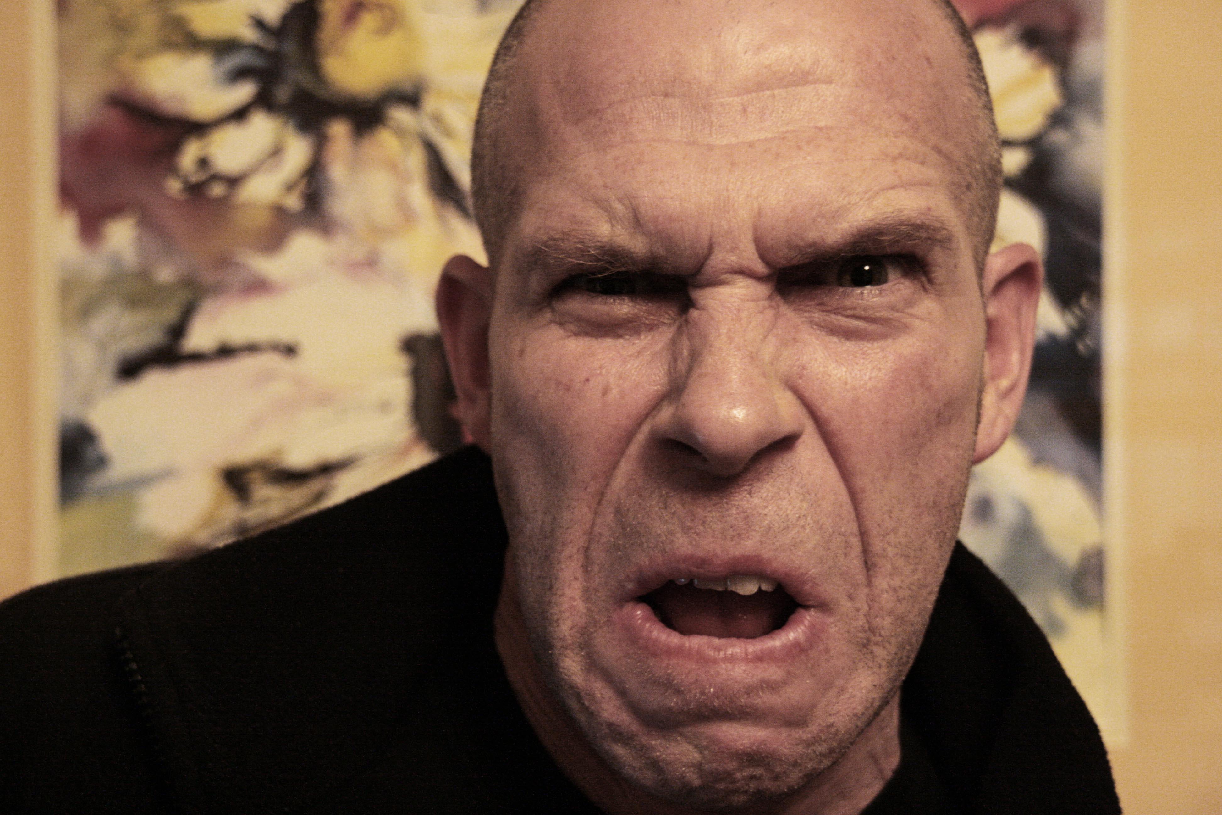 Afrontando la ira y el odio.